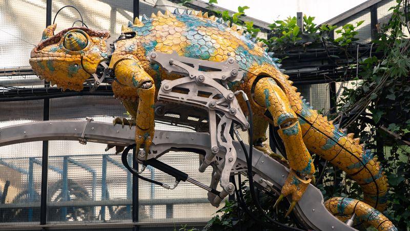 Une trentaine d'animaux mécaniques dans l'Arbre